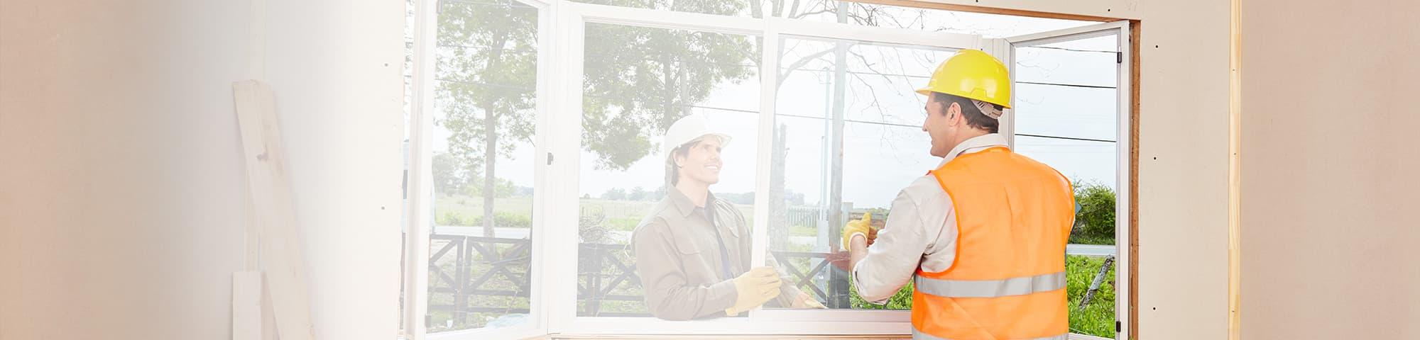 Fenstermonteure bei der Arbeit